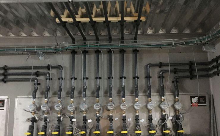 Waterleiding vleesvarkens stal